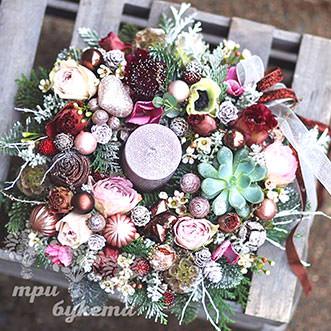 novogodnee-ukrashenie-s-cvetami